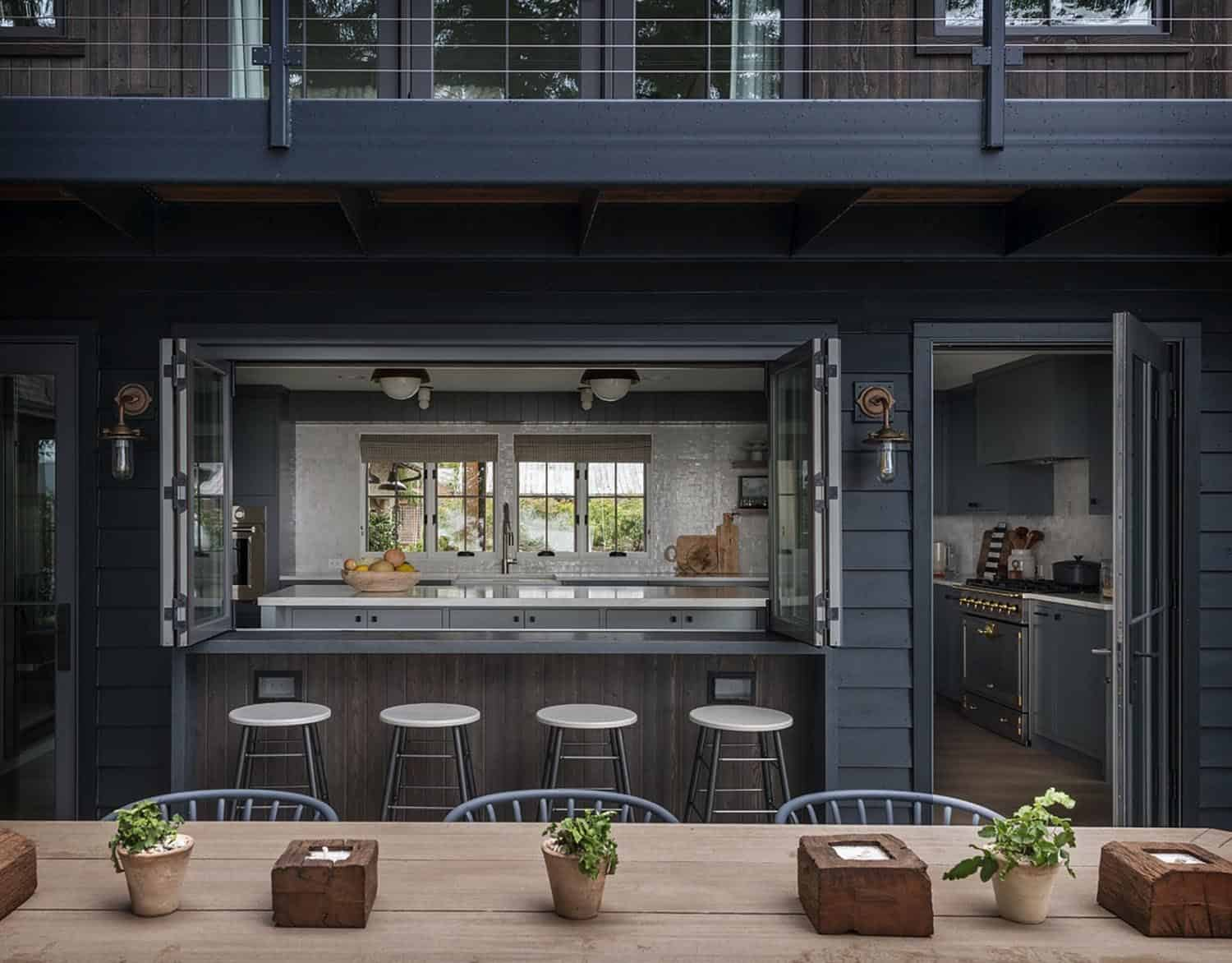 farmhouse-outdoor-kitchen