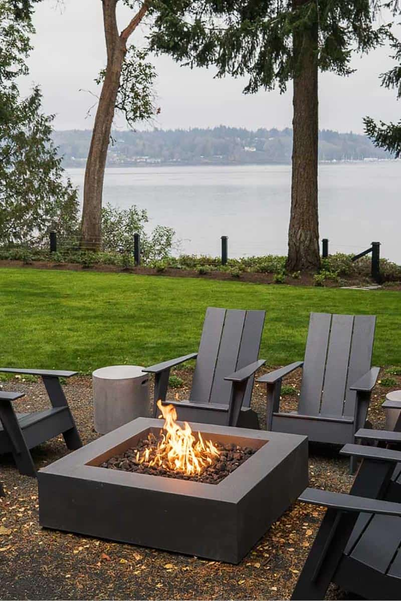farmhouse-fire-pit