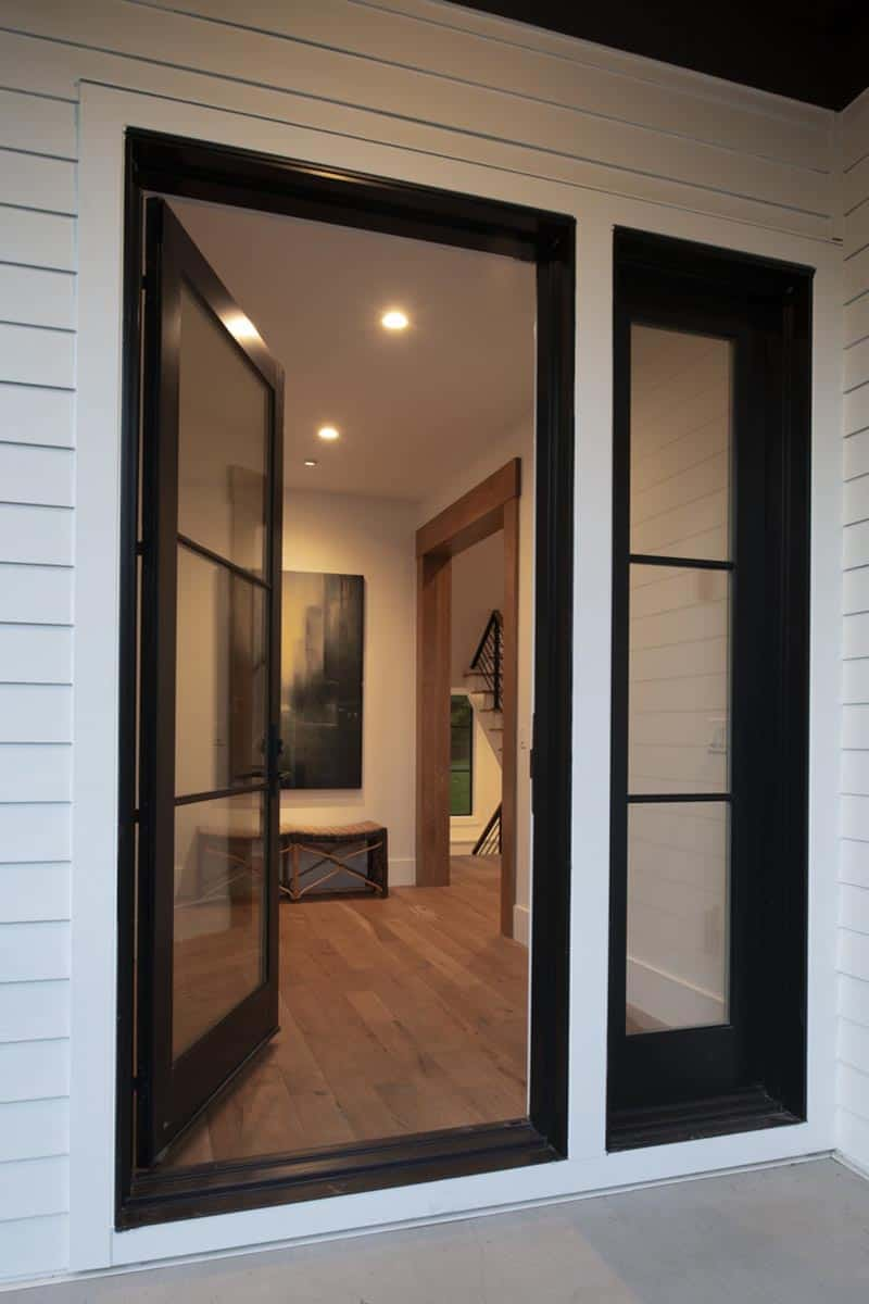contemporary-lakeshore-home-entry