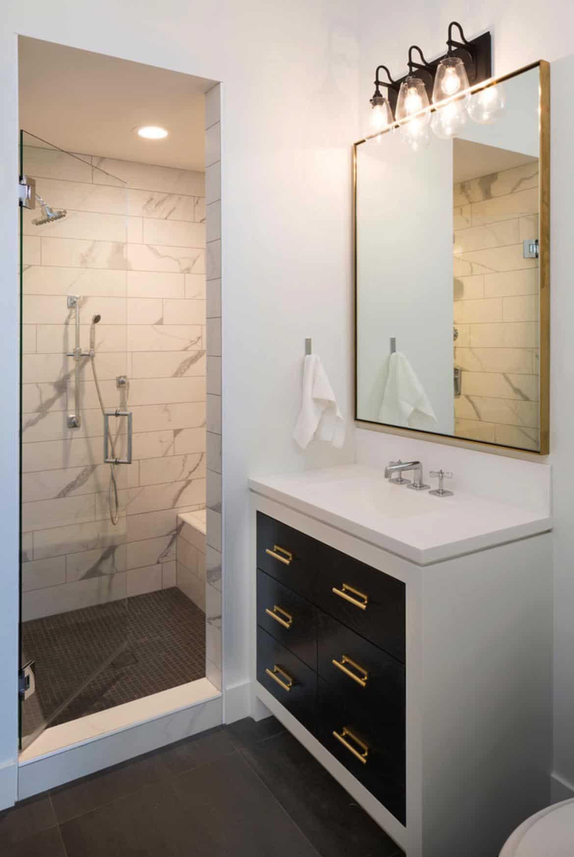 modern-mediterranean-bathroom