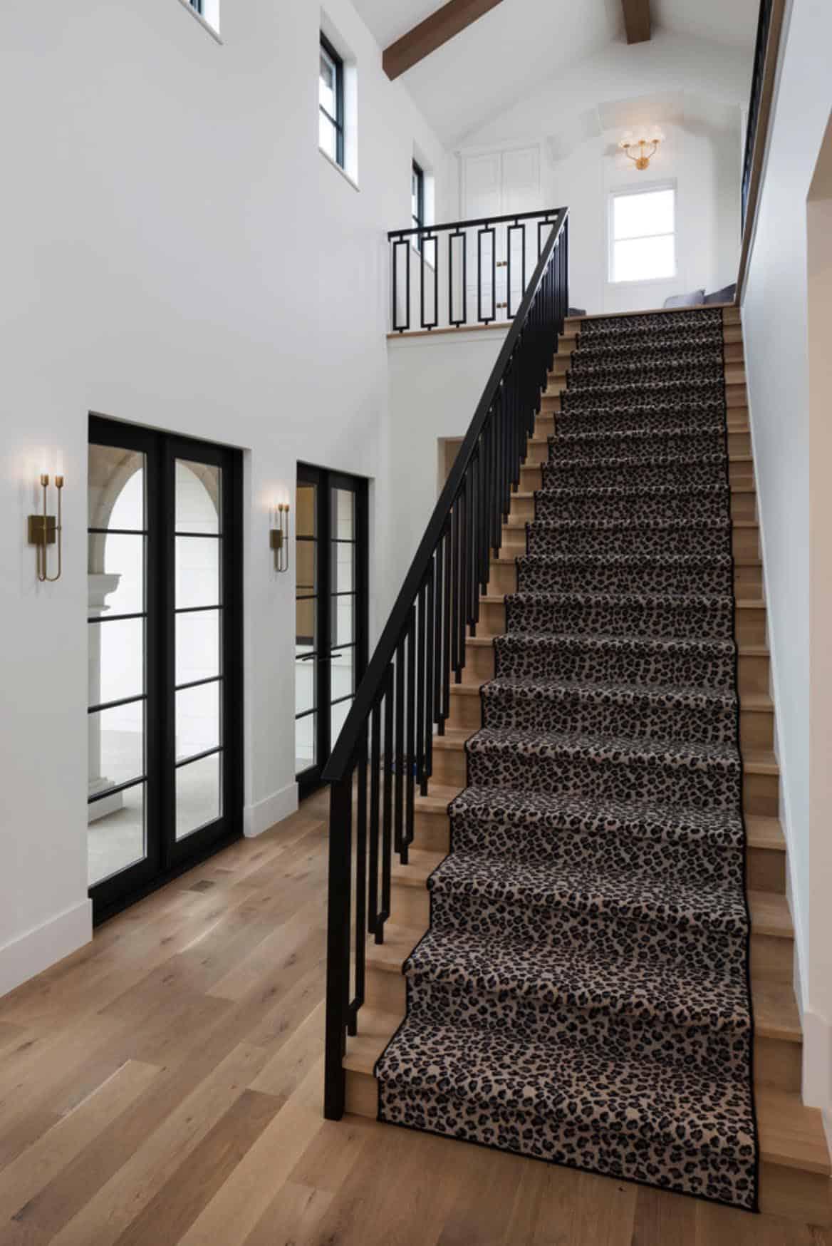 modern-mediterranean-staircase