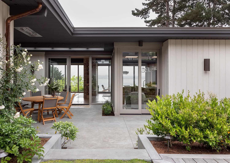 mid-century-porch