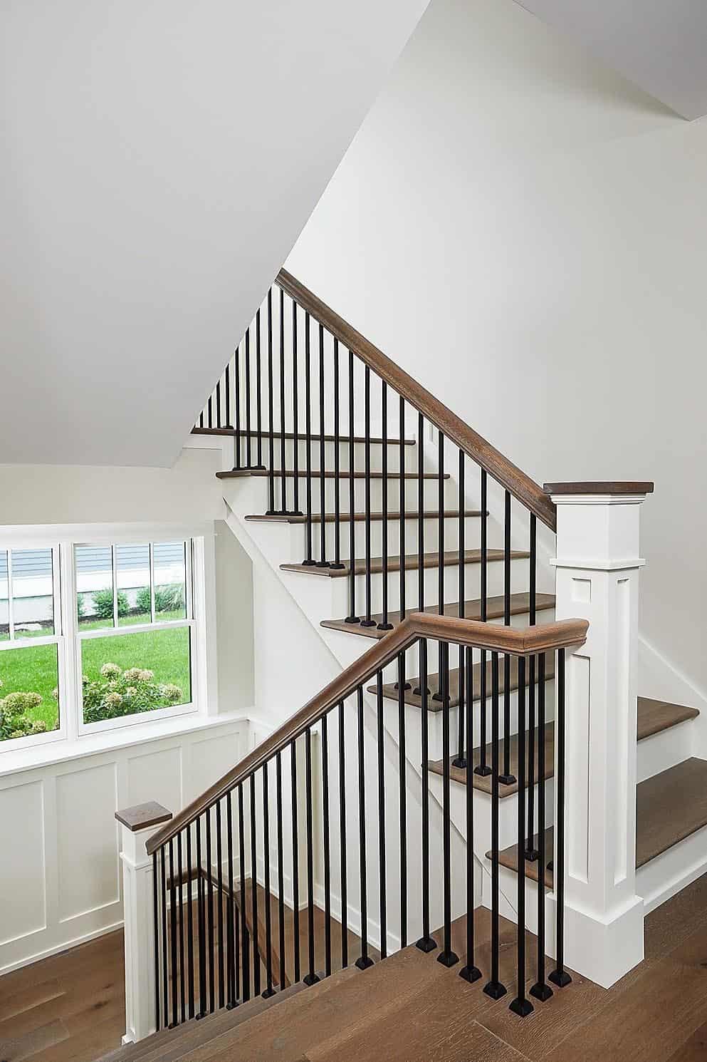 farmhouse-staircase