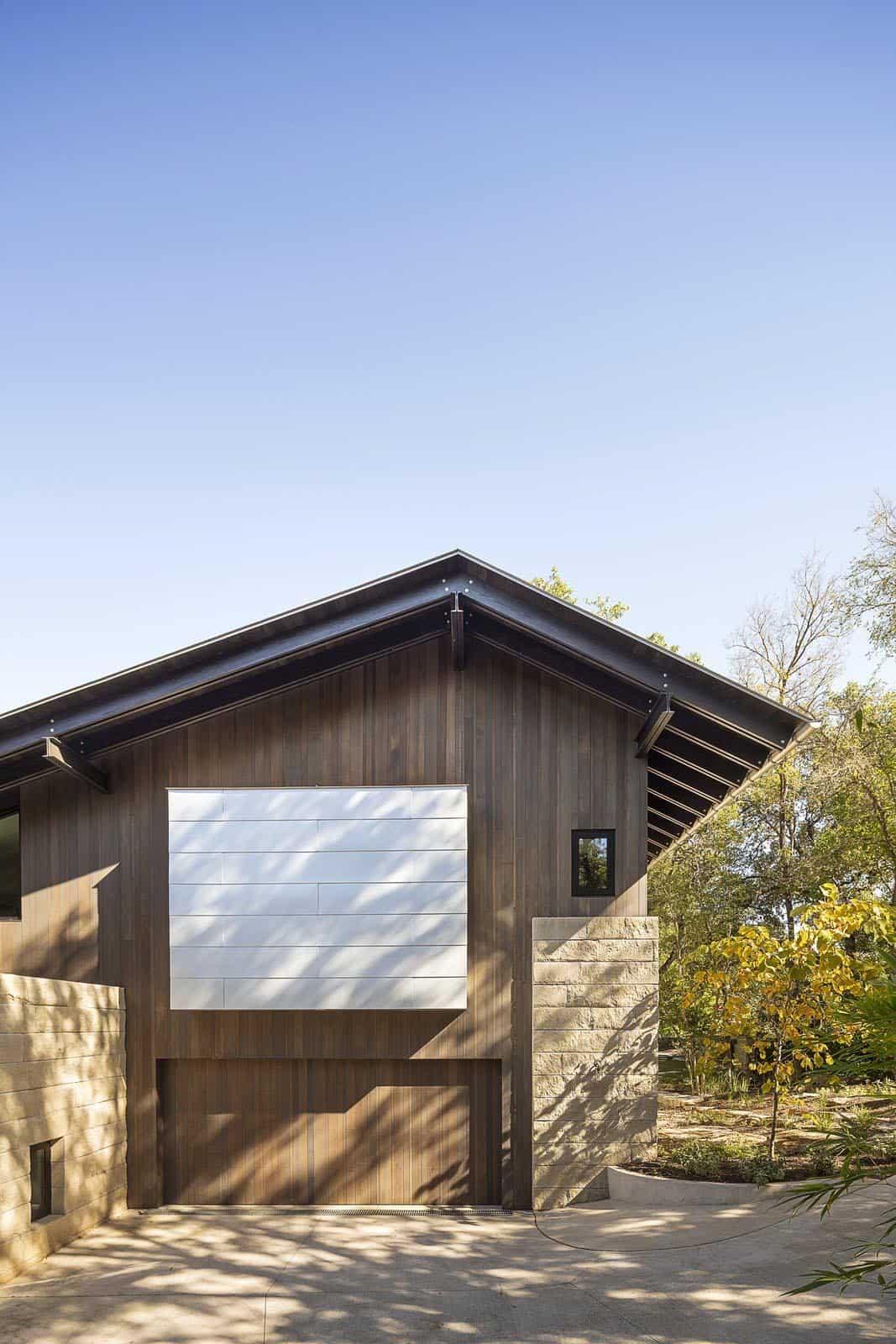 modern-rustic-garage