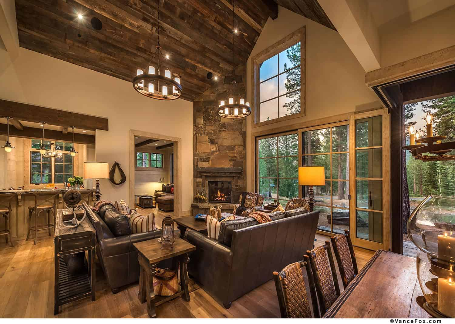 mountain-retreat-rustic-living-room