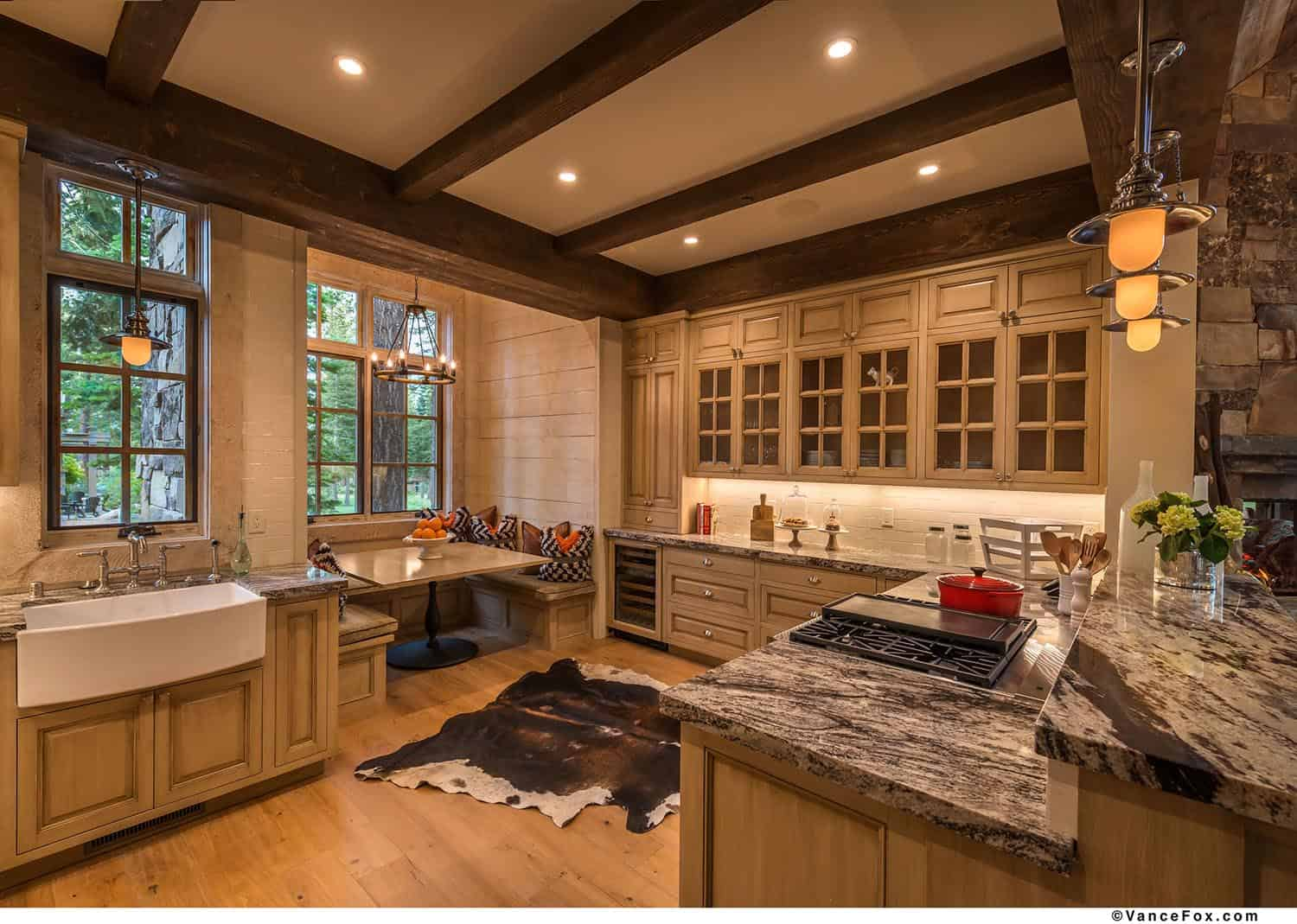mountain-retreat-rustic-kitchen