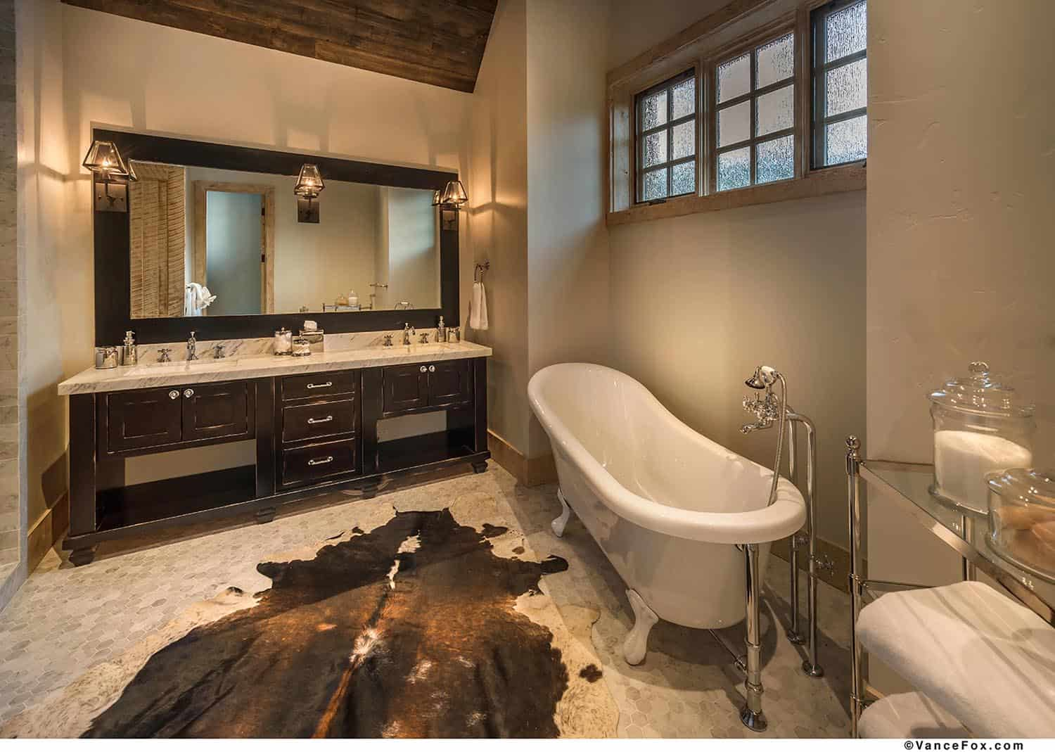 mountain-retreat-rustic-bathroom