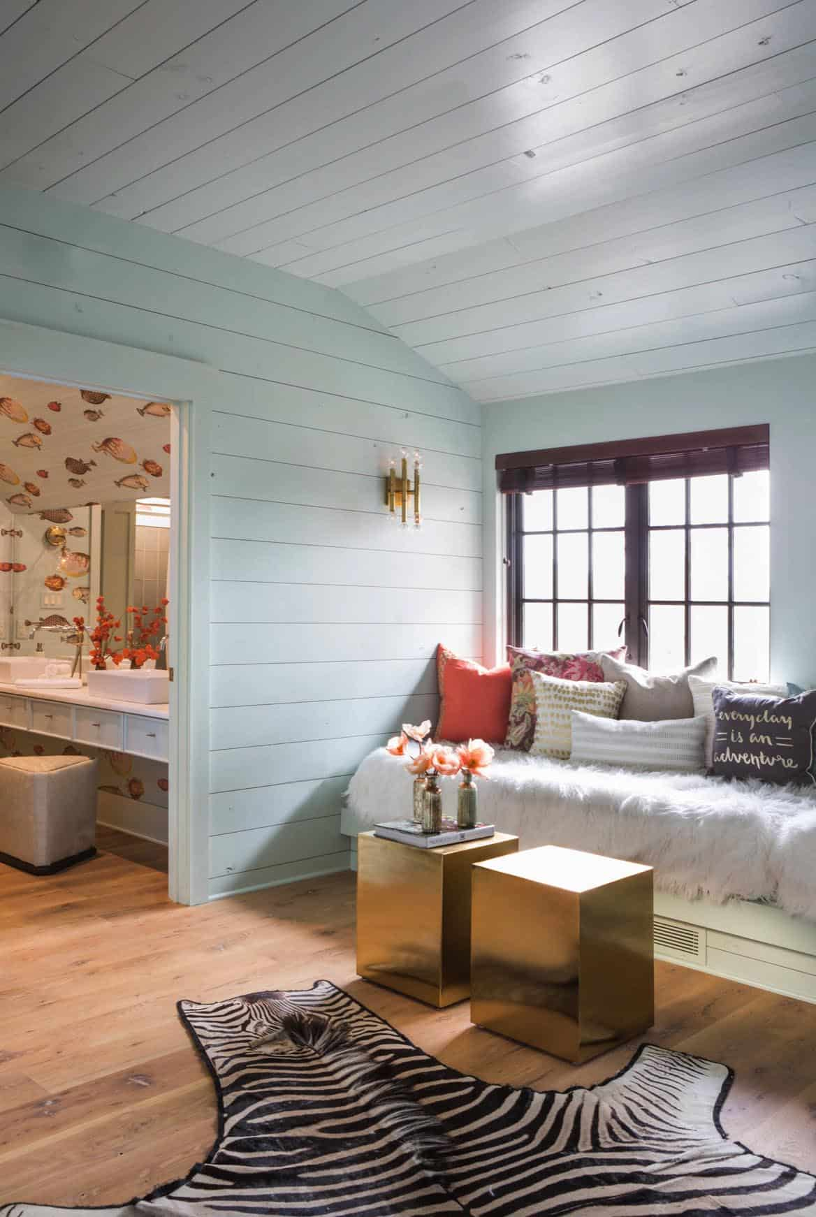 traditional-girls-bedroom