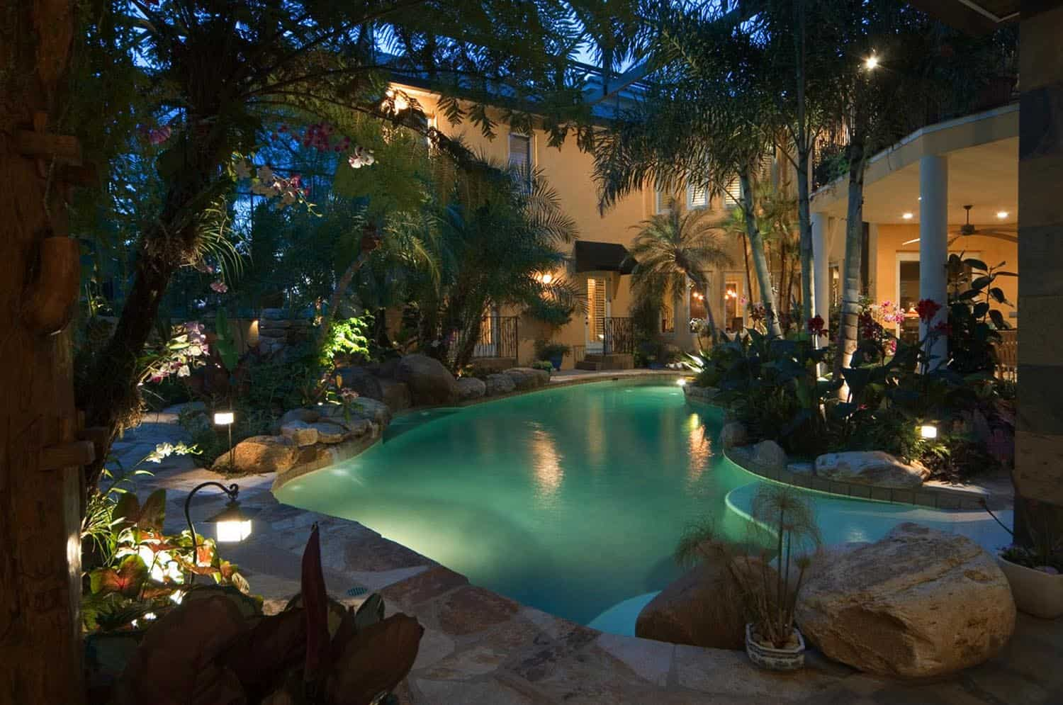 awesome-tropical-outdoor-spaces-pool