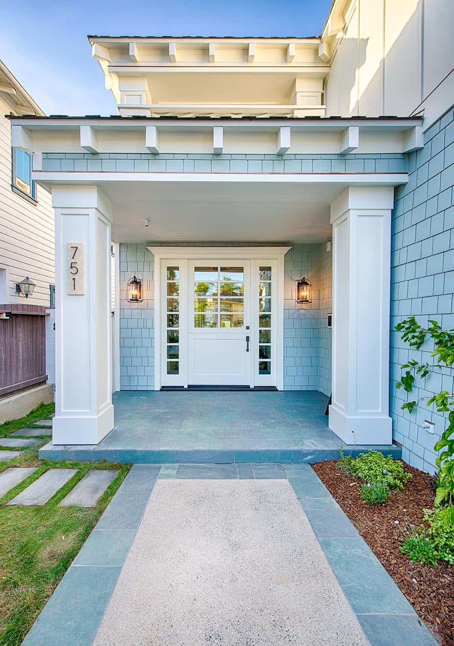 beach-house-style-entry
