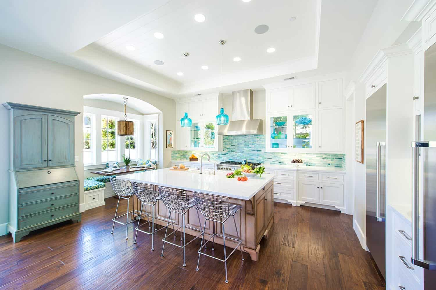 beach-style-kitchen