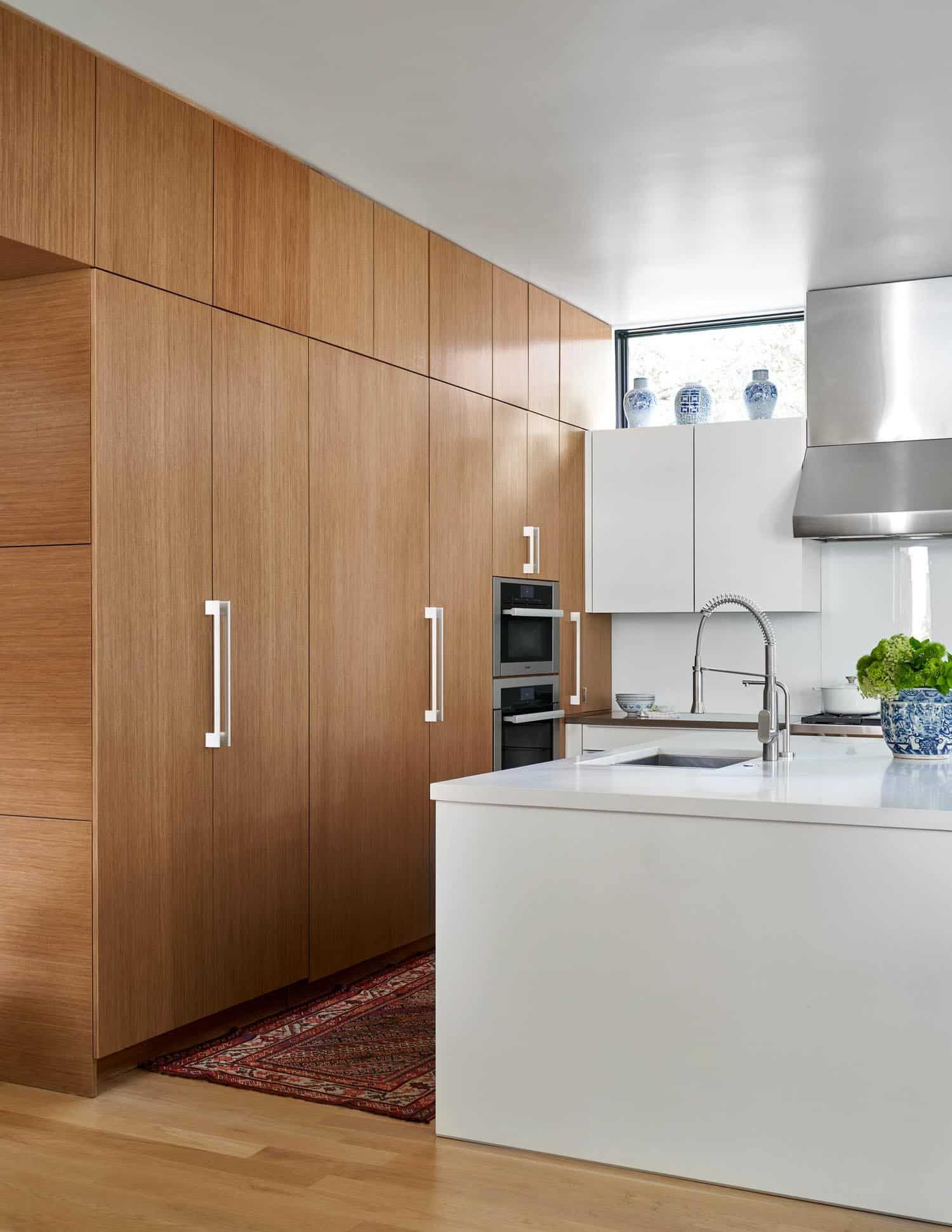 contemporary-empty-nesters-home-kitchen