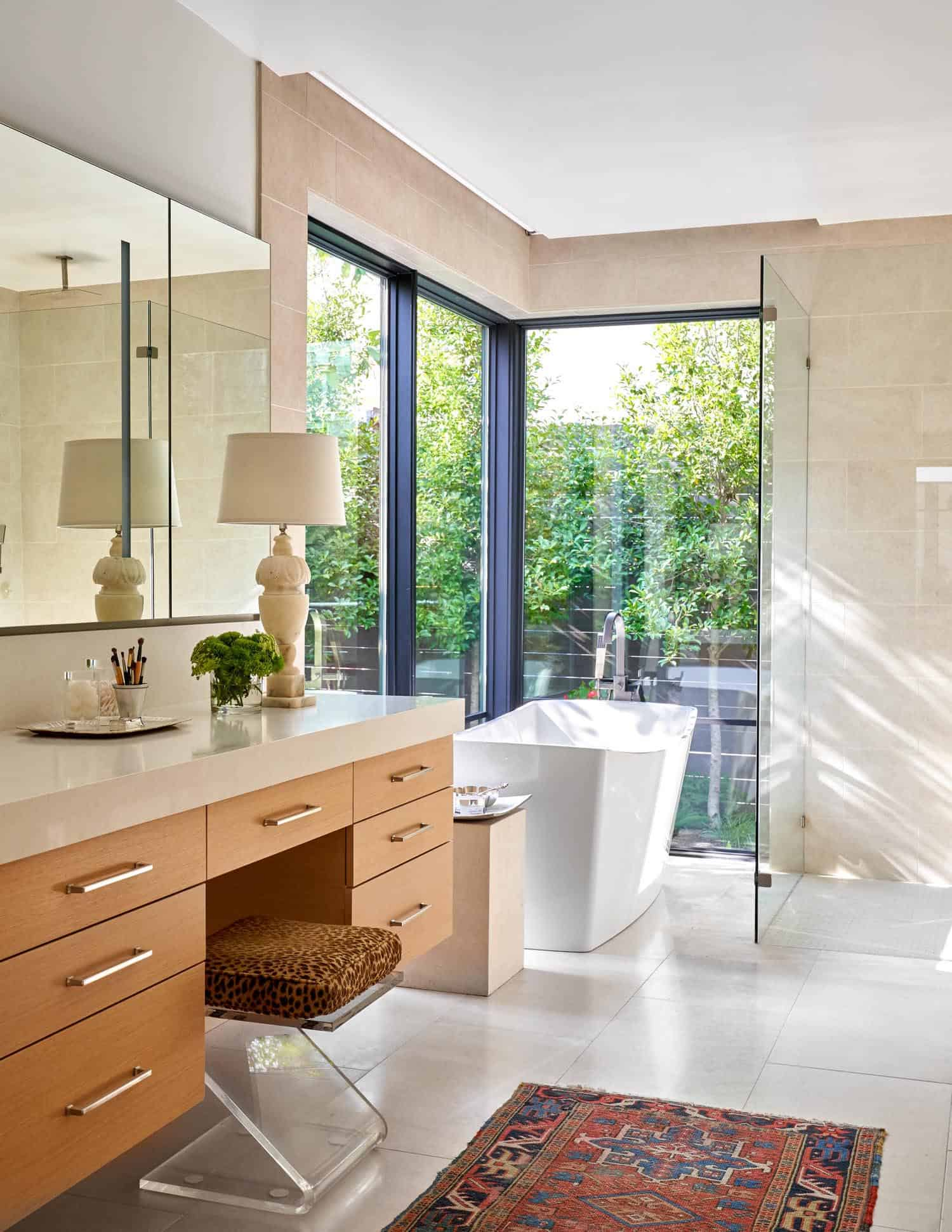 contemporary-empty-nesters-home-bathroom