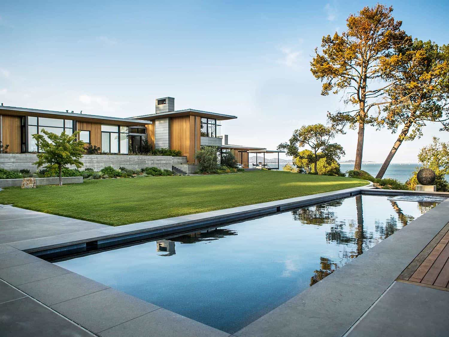 Remarkable energy efficient home boasts views over San Francisco Bay