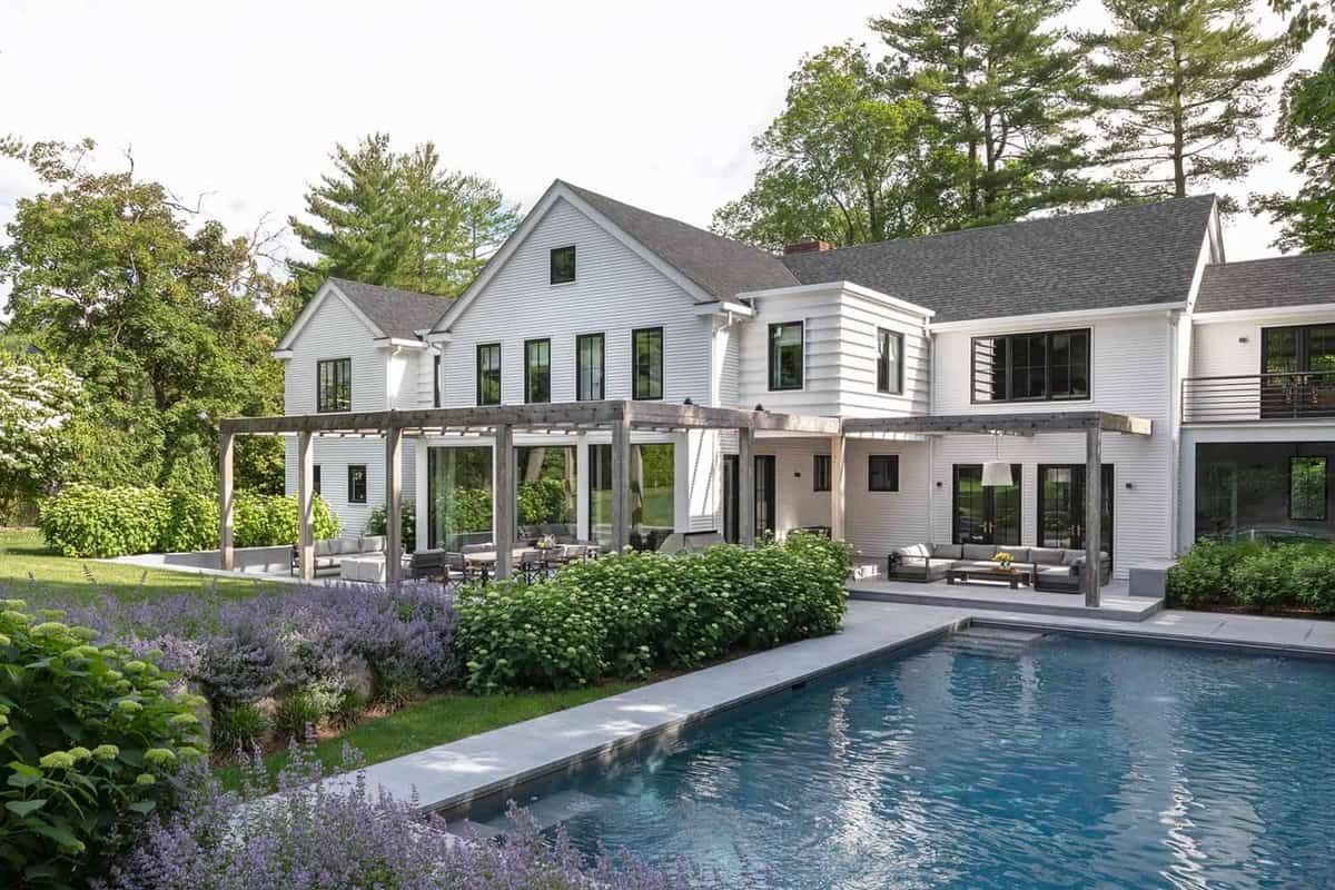 modern-farmhouse-pool