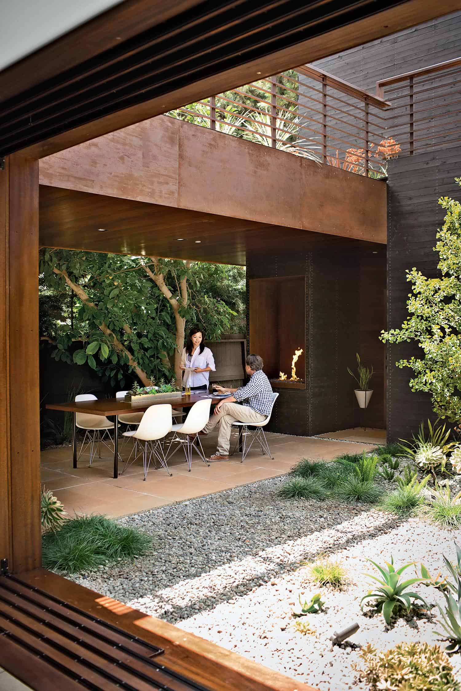 beautiful-modern-courtyard-garden-ideas