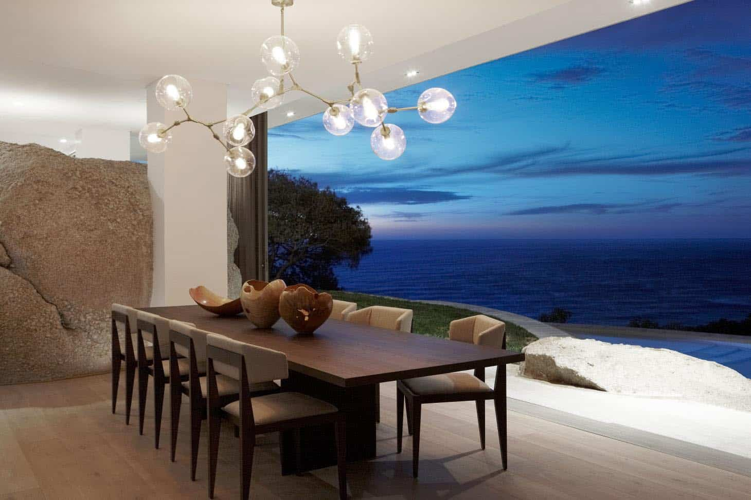 seaside-home-dining-room