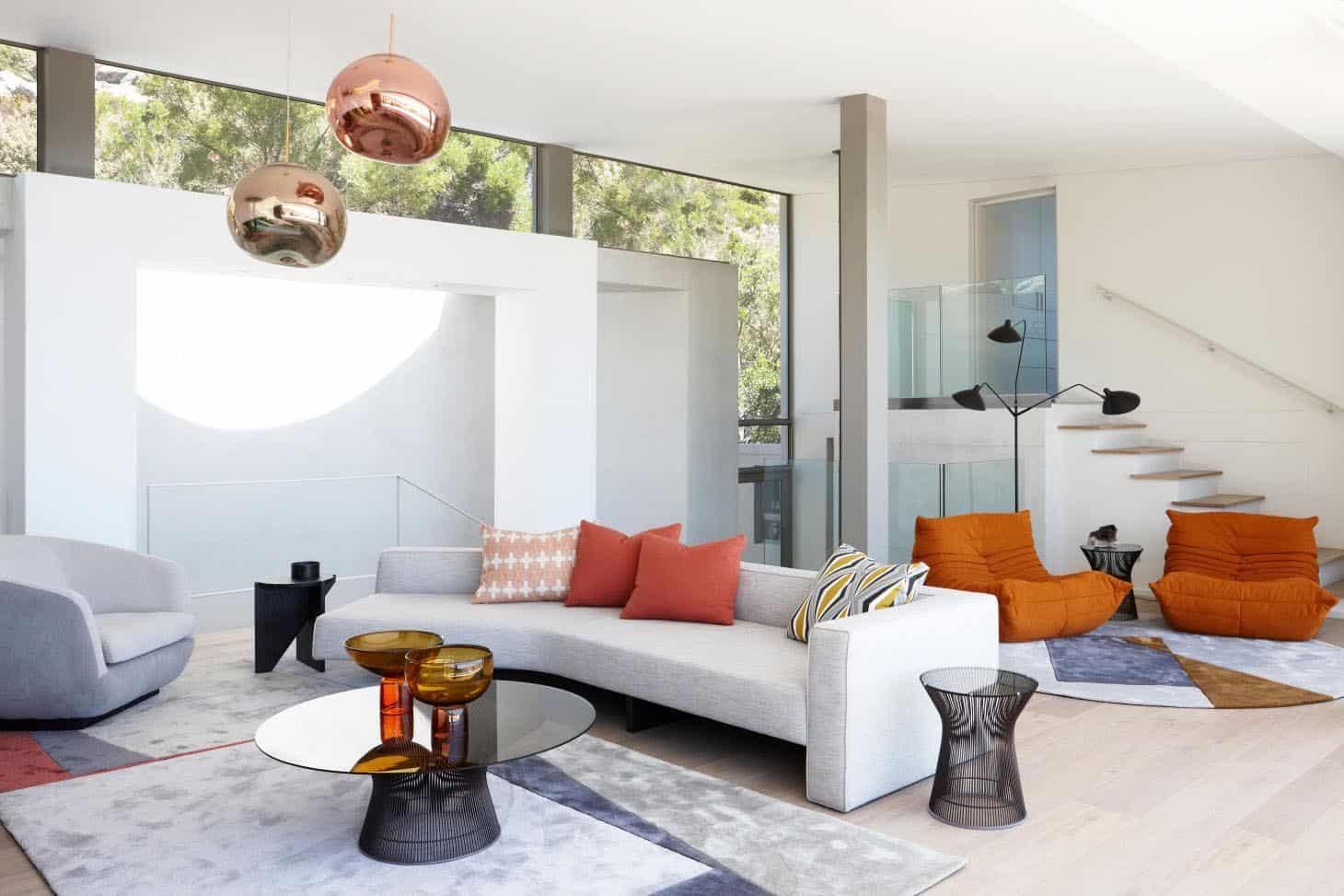 seaside-home-living-room