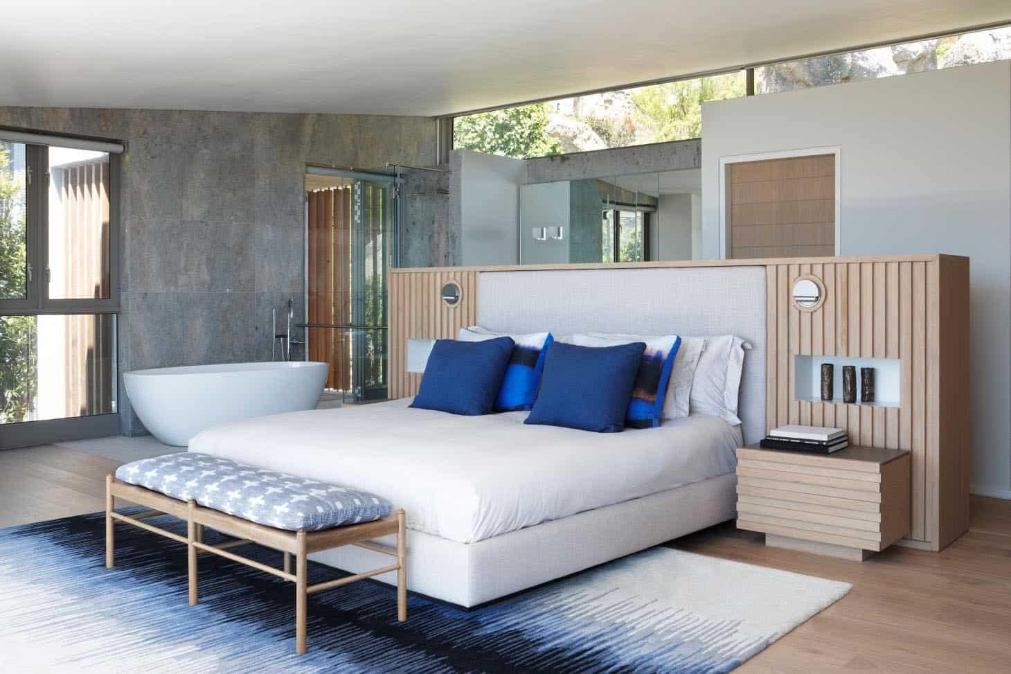 seaside-home-bedroom