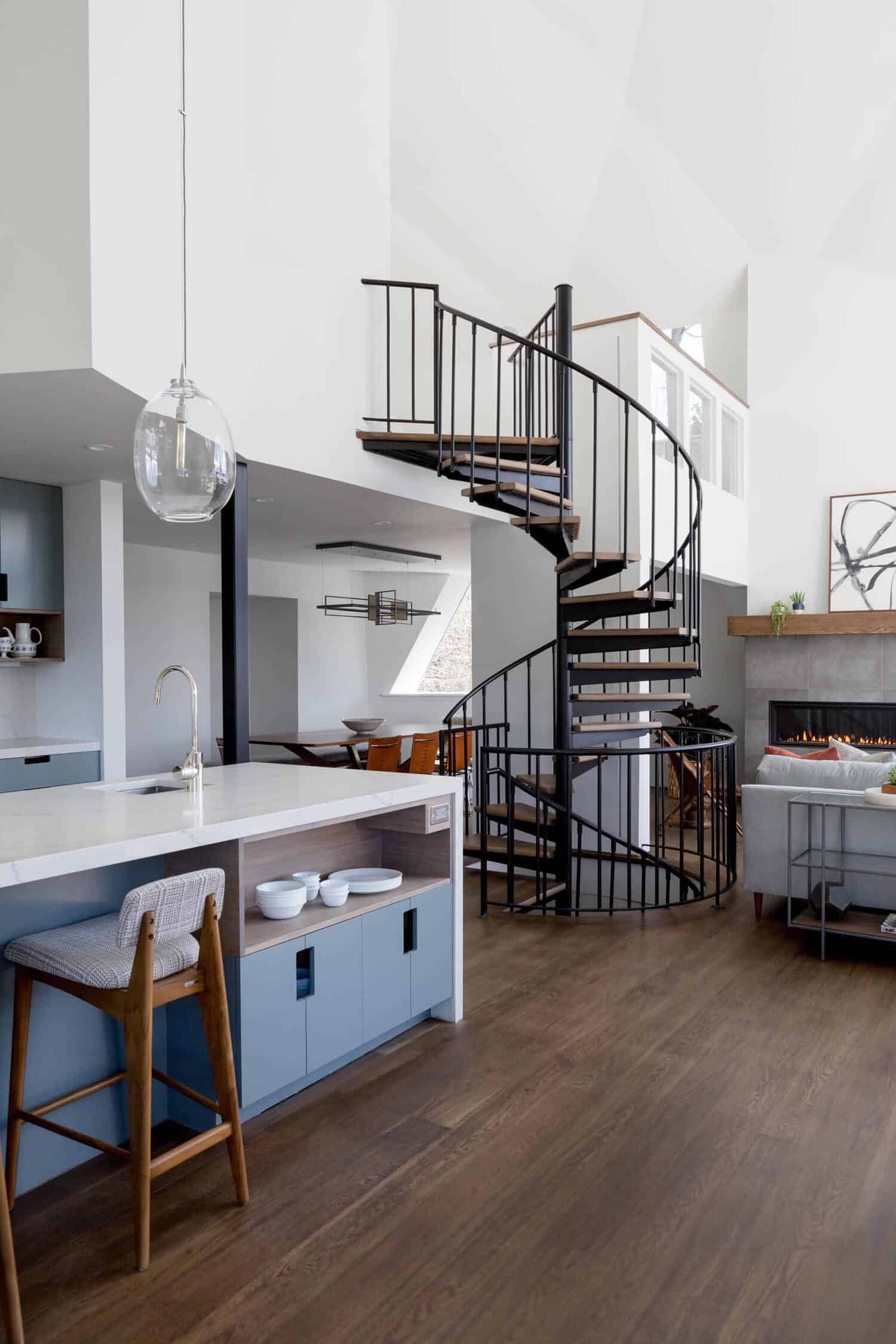 mid-century-kitchen-spiral-staircase