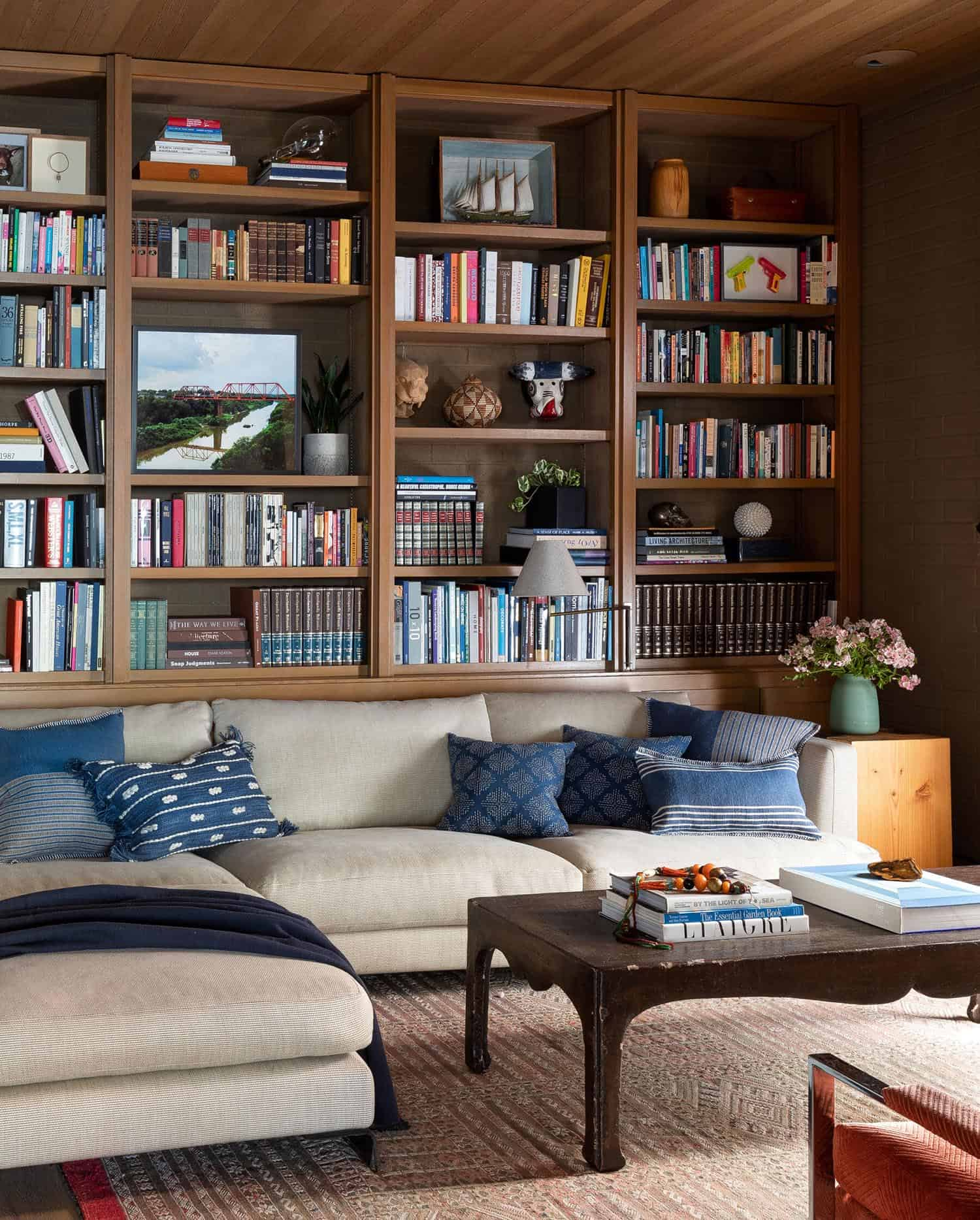 mid-century-home-library