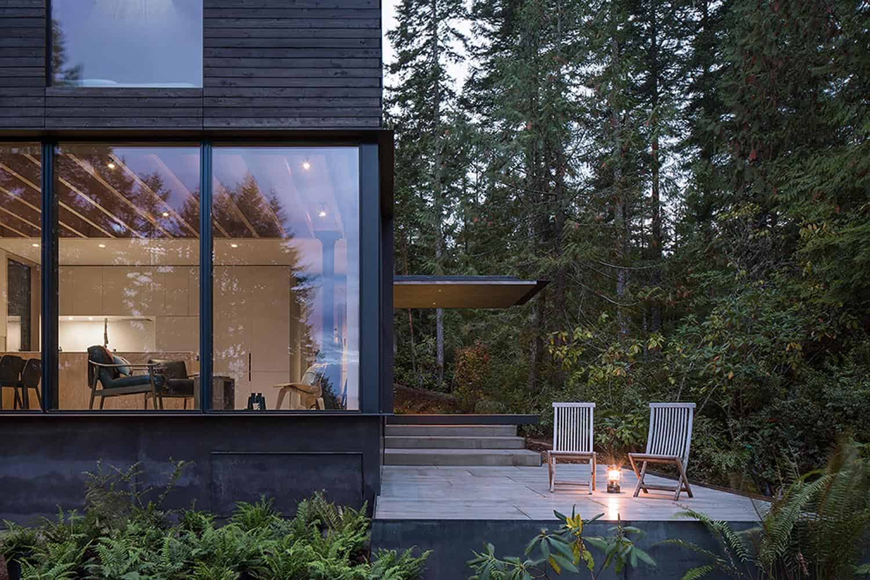 modern-compact-cabin-deck