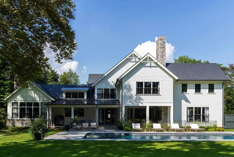 modern-day-traditional-farmhouse-pool
