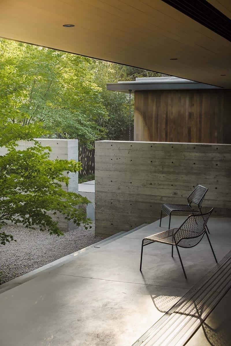 modern-home-exterior-deck