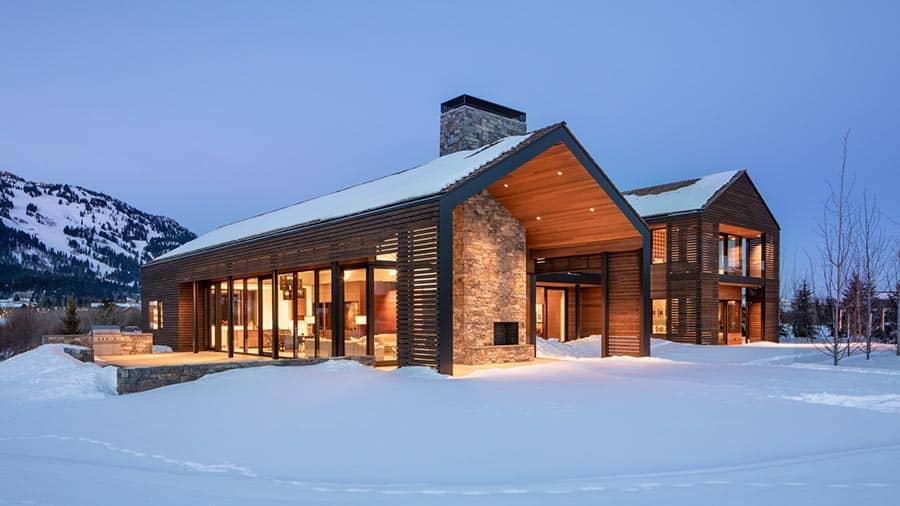 rustic-mountain-getaway-home-exterior