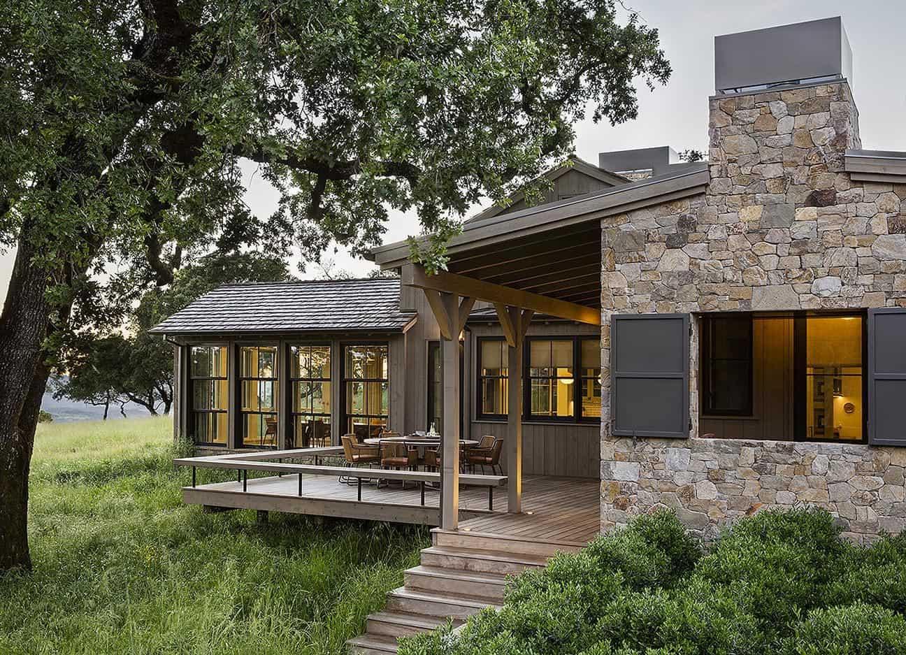 ranch-house-exterior