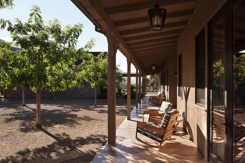 farmhouse-exterior-porch