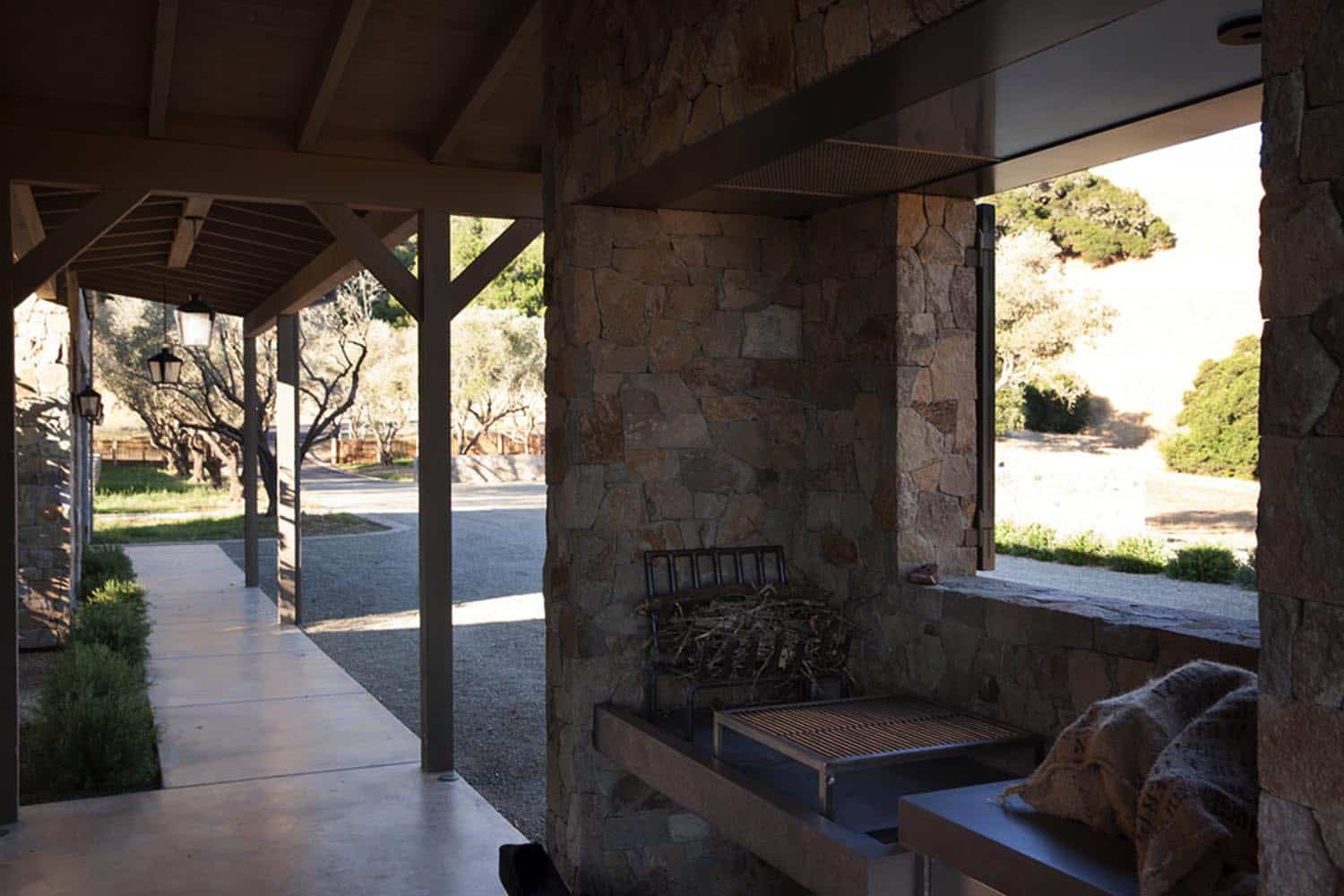 ranch-house-deck