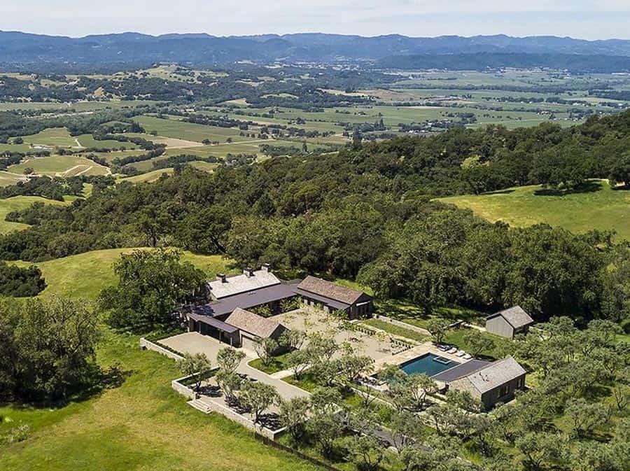 ranch-house-exterior-landscape