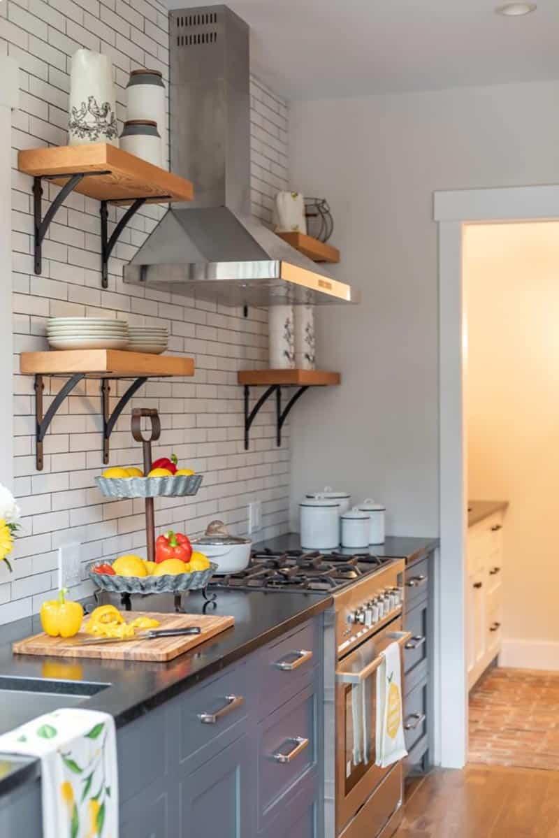 farmhouse-kitchen