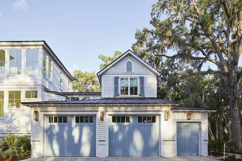beach-style-garage