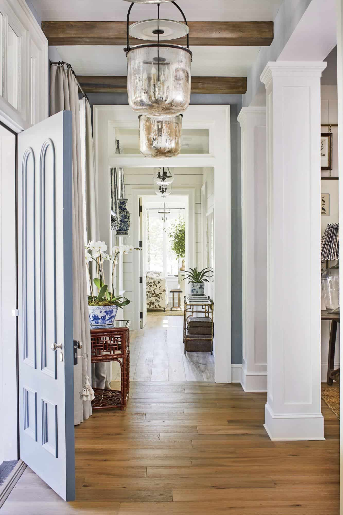 southern-living-idea-house-beach-style-home-entry