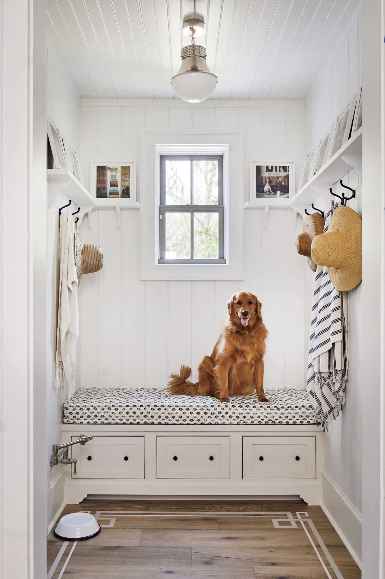 southern-living-idea-house-beach-style-mudroom-entry