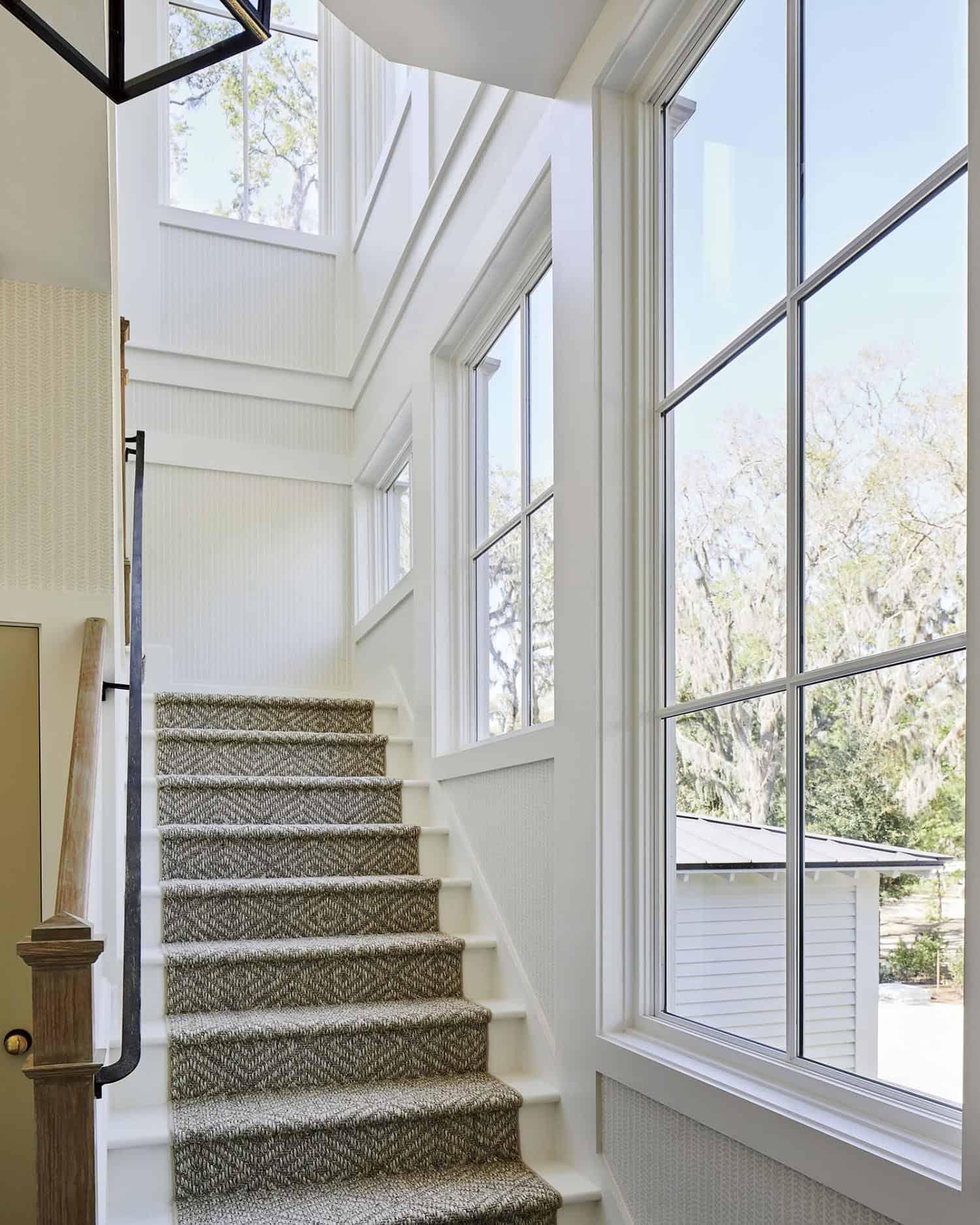 idea-house-beach-style-staircase