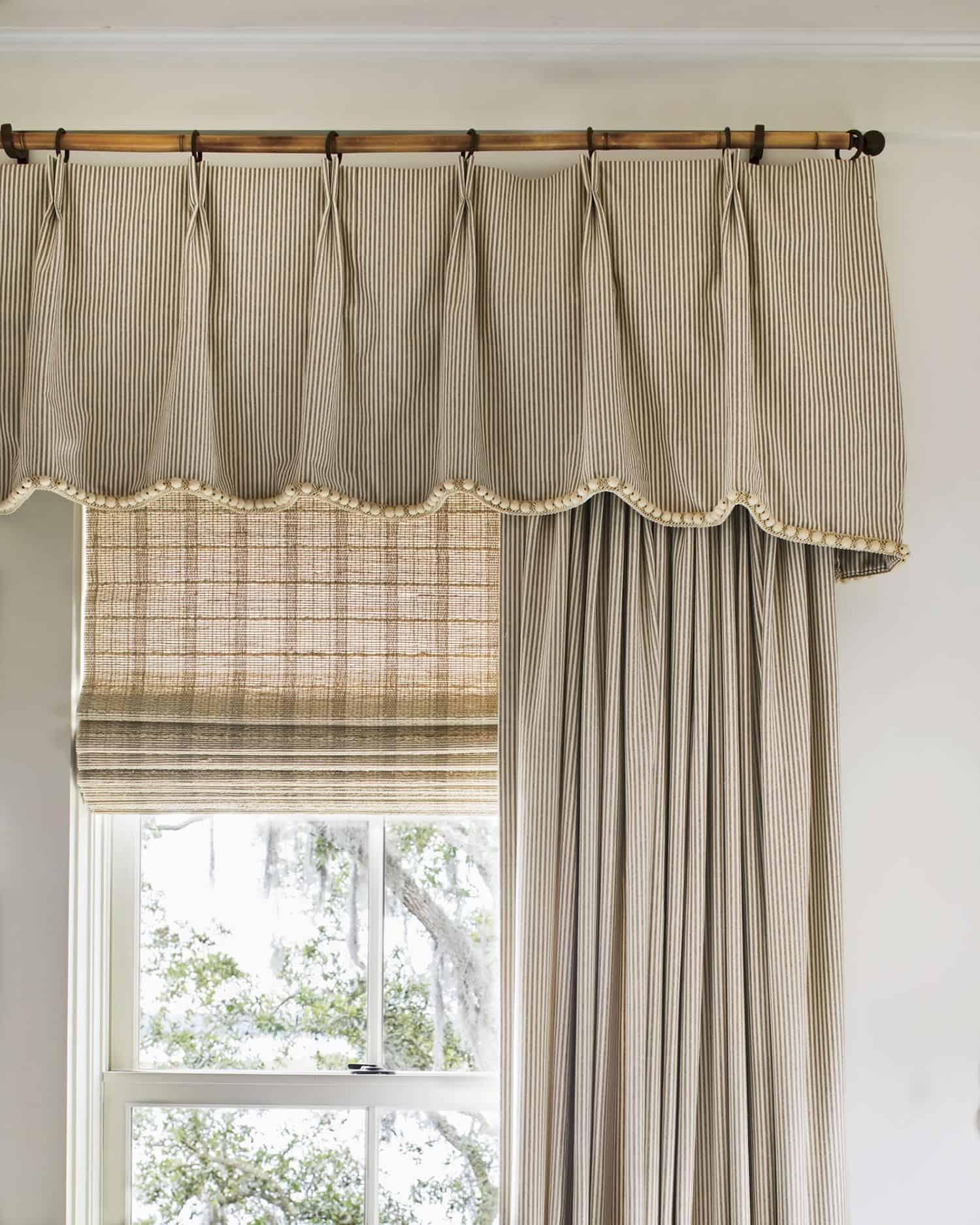 beach-style-bedroom-window-treatment