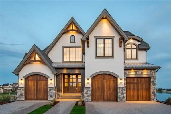 featured posts image for Tour this Canadian lakefront contemporary home with outstanding details