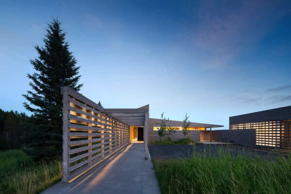 featured posts image for Minimally designed home showcases tranquil views over Big Sky Country