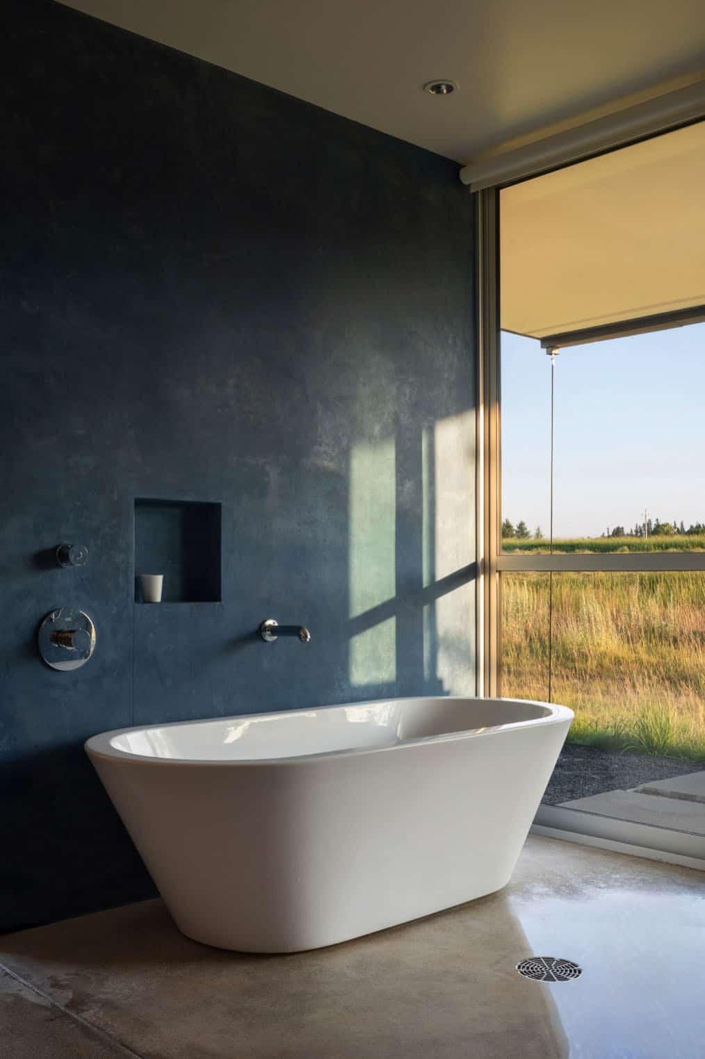 contemporary-bathroom-shower-tub