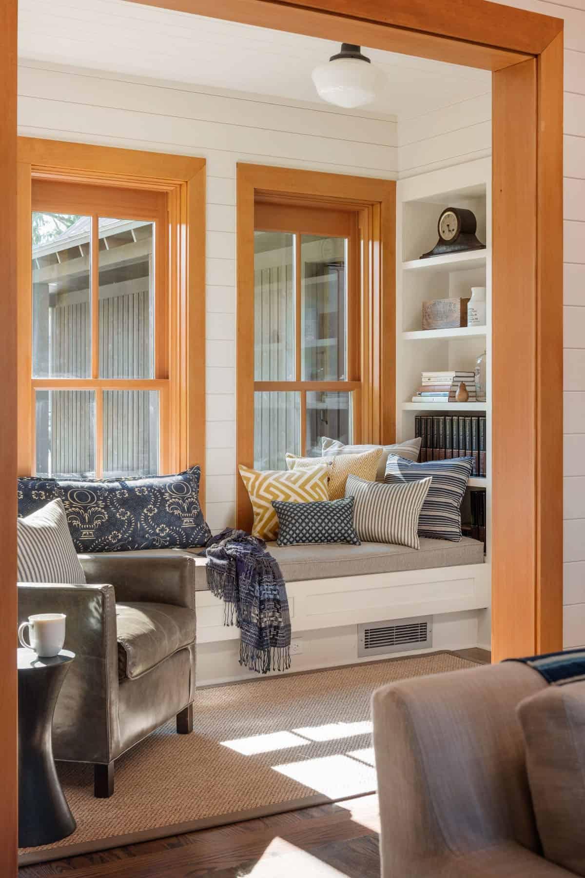 contemporary-window-seat