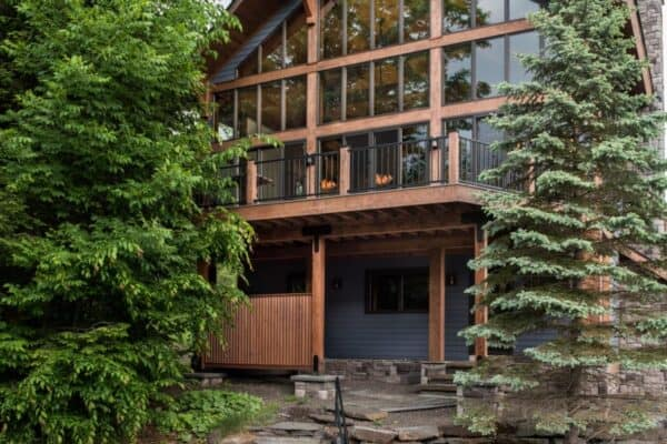 featured posts image for Mountainside ski home nestled in the breathtaking Catskill Mountains