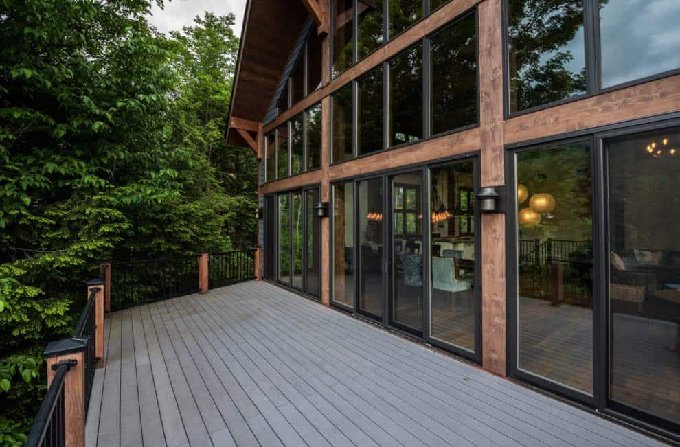 catskill-lodge-contemporary-deck