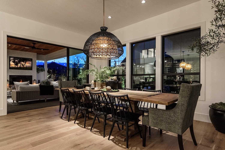 farmhouse-style-house-dining-room