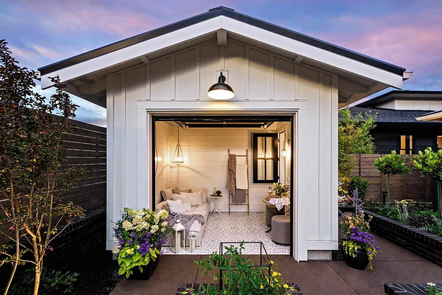 farmhouse-style-house-shed