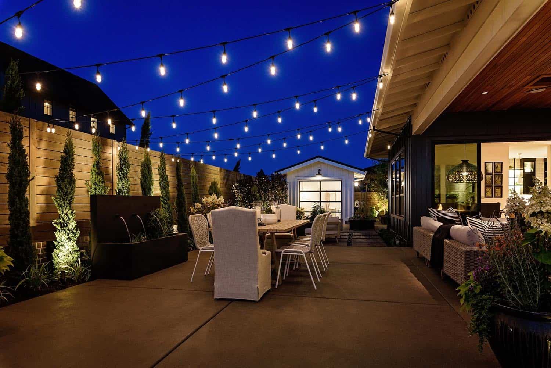 farmhouse-patio-dining-al-fresco