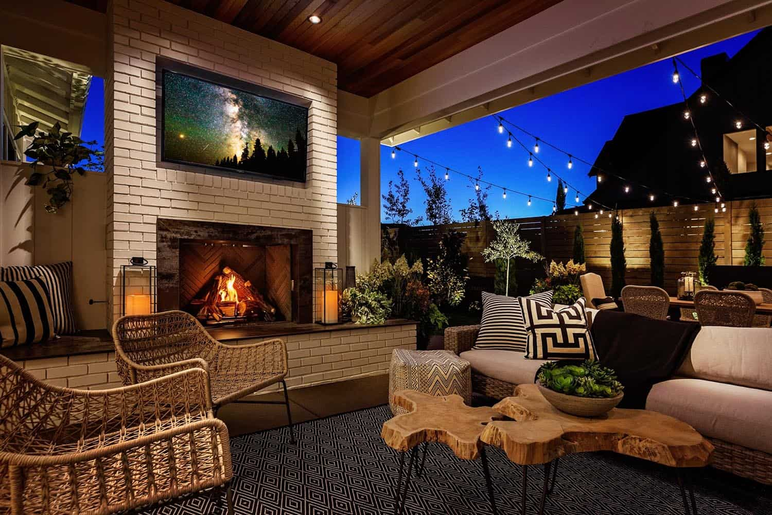 farmhouse-style-house-patio-outdoor-living-room-fireplace