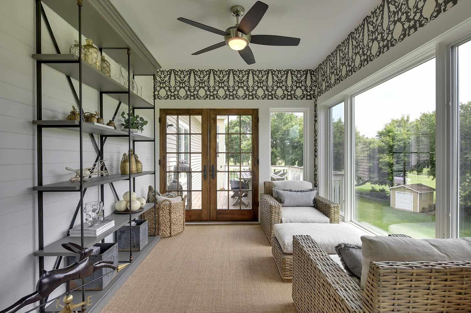 farmhouse-sunroom-decorating-ideas